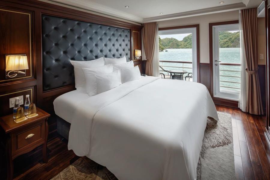 Paradise Elegance Cruise 2 Days 1 Night Deluxe balcony