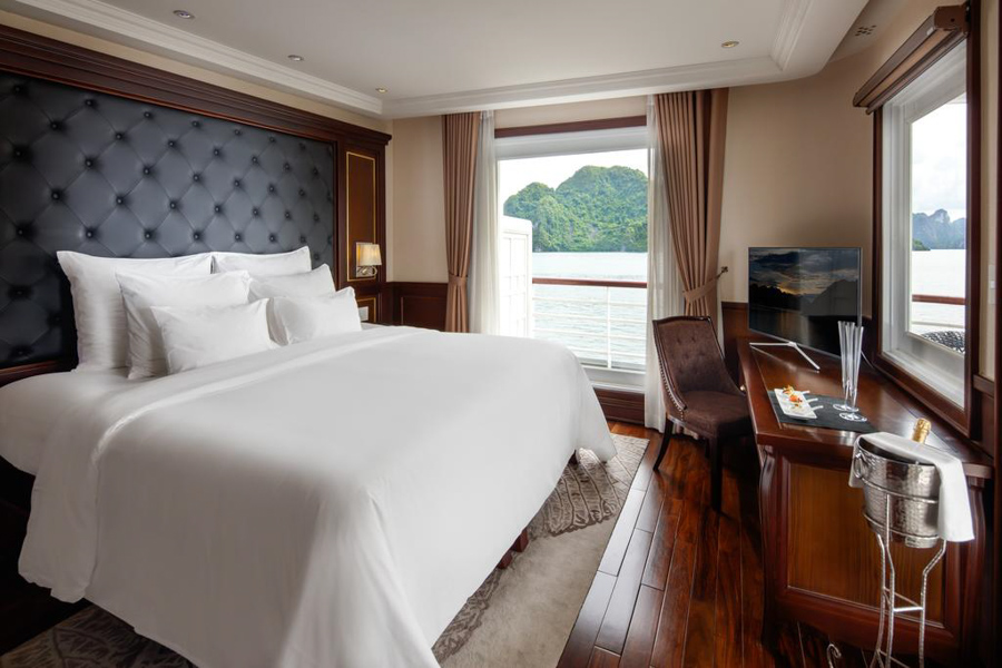 Paradise Elegance Cruise 3 Days 2 Nights Elegance Suite Room with balcony