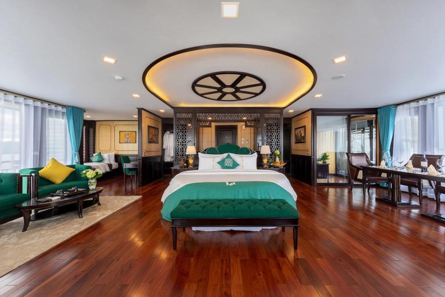 La Regina Legend Cruise 3 Days 2 Nights Queen Regent Suite