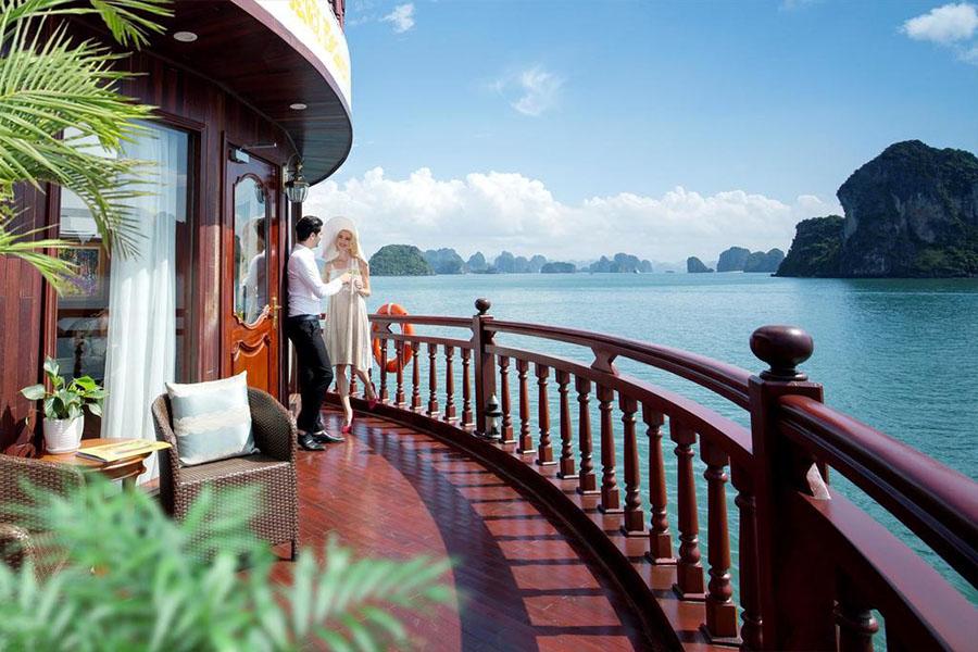 Emperor Cruises 2 Days 1 Nights State Suite
