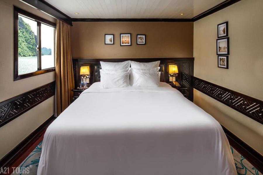 Paradise Luxury Cruise 2 Days 1 Night Deluxe Cabin