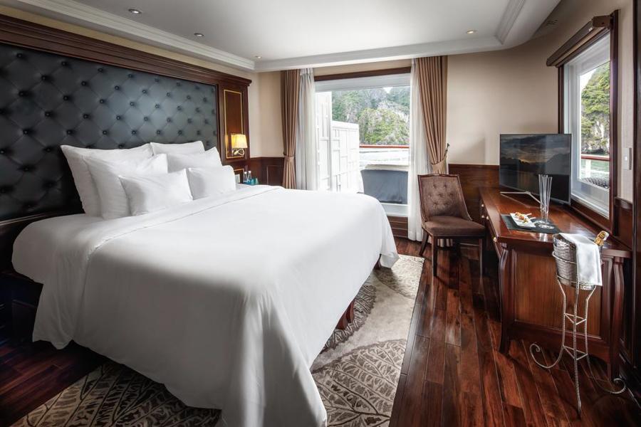 Paradise Elegance Cruise 2 Days 1 Night Captain View Terrace Suite