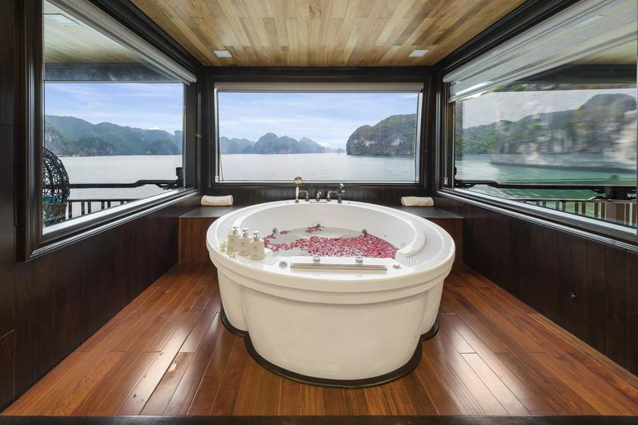 La Regina Legend Cruise 2 Days 1 Night Queen Regent Suite