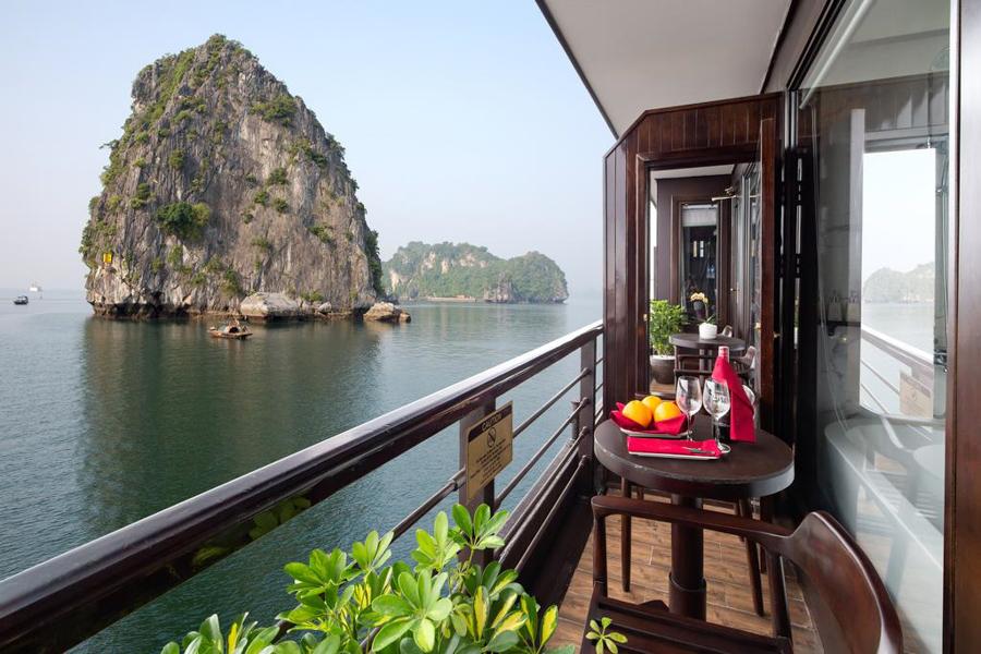 Peony cruise 2 Days 1 Night Family Premium Deluxe With Balcony