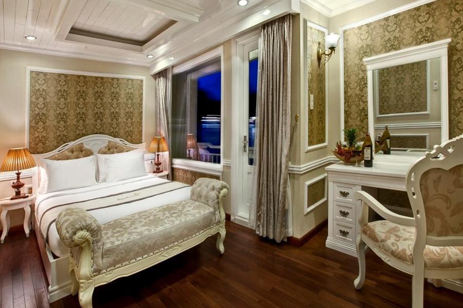 Signature Cruise 2 Days 1 Nights Elite Family Suite