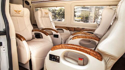 Hoi An to Hue Limousine vanp