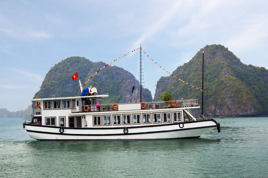 Halong Bay tour from Halong