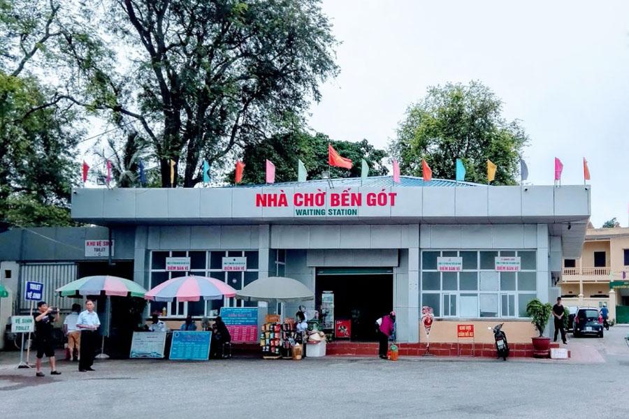 Got terminal to Hanoi bus